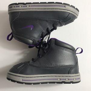Nike Sneakers 8C - NWOT